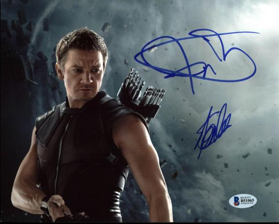 Stan Lee & Jeremy Renner The Avengers Signed 8X10 Photo BAS #B51065