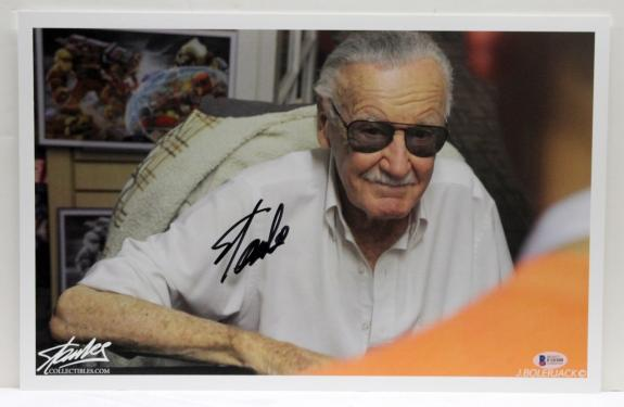 Stan Lee Signed Autographed Marvel Comics 11x17 Print Beckett Bas F10300