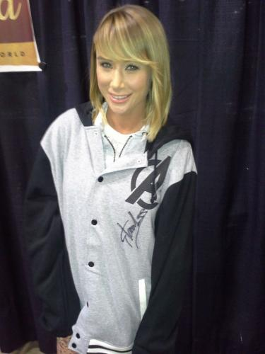 Stan Lee Signed Sara Jean Underwood Personally Worn Avengers Shirt PSA/DNA COA