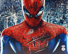 Autographed Stan Lee Photograph - Spider Man 16X20 PSA DNA 18