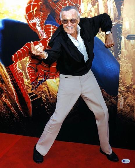 Stan Lee Signed Spider-Man Metallic/Chrome 16x20 Photo Marvel BAS Beckett B81865