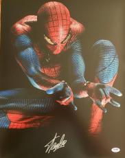 "STAN LEE signed ""Spiderman Shooting Web"" 16x20 photo-PSA/DNA"