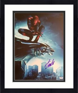 "STAN LEE signed ""Spiderman Sitting on Gargoyle Statue"" 16x20 photo-PSA/DNA"