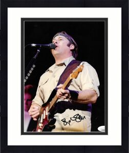Stephen Stills signed Classic Rock 8x10 Photo- JSA #GG38899 (Buffalo Springfield and Crosby, Stills, Nash & Young)