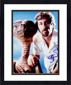 Steven Spielberg Signed - Autographed E.T. Director 8x10 inch Photo - Guaranteed to pass BAS