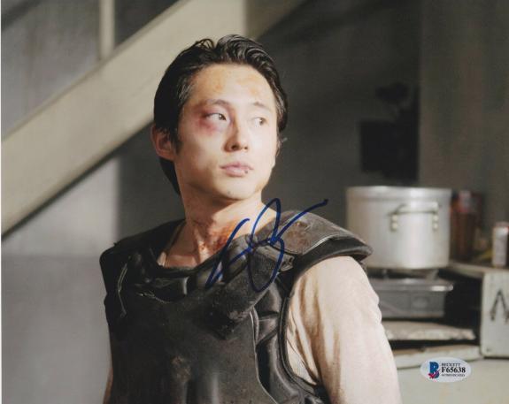 Steven Yeun Signed 8x10 Photo Walking Dead Beckett Bas Autograph Auto Coa C