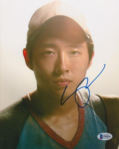 Steven Yeun Signed 8x10 Photo Walking Dead Beckett Bas Autograph Auto Coa G