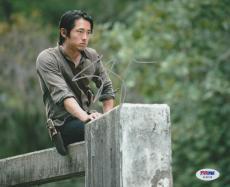 Steven Yeun Signed Auto'd 8x10 Photo Psa/dna Ac30118 The Walking Dead Glenn Rhee