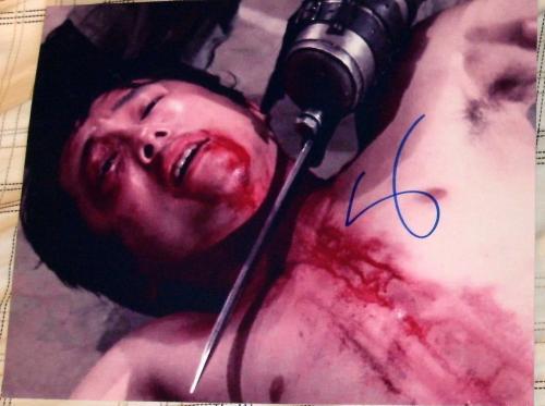 "Steven Yeun Signed Autograph ""walking Dead"" Rare Bloody Knife Throat Photo Coa"