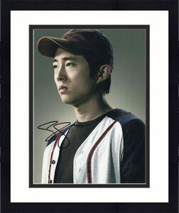 Steven Yeun Signed The Walking Dead 8x10 Photo w/COA TWD Glenn Rhee