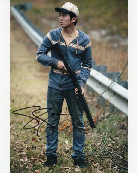 Steven Yeun Signed The Walking Dead 8x10 Photo w/COA TWD Glenn Rhee #2