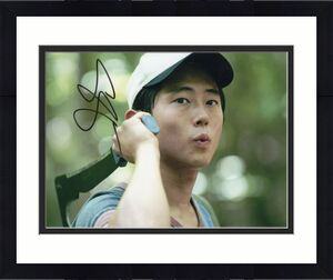 Steven Yeun Signed The Walking Dead 8x10 Photo w/COA TWD Glenn Rhee #3
