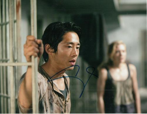 STEVEN YEUN signed (THE WALKING DEAD) TWD TV SHOW 8X10 photo Glenn Rhee W/COA #1