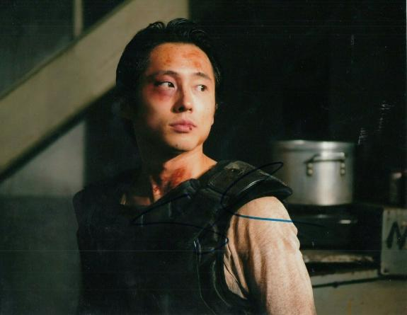 STEVEN YEUN signed (THE WALKING DEAD) TWD TV SHOW 8X10 photo Glenn Rhee W/COA #3