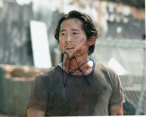 STEVEN YEUN signed (THE WALKING DEAD) TWD TV SHOW 8X10 photo Glenn Rhee W/COA #4