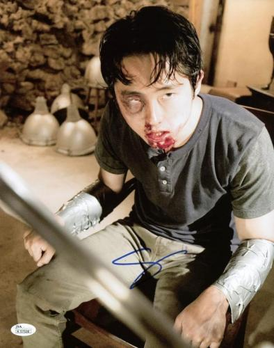 Steven Yeun The Walking Dead Signed 11X14 Photo JSA #K57526