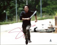 Steven Yeun The Walking Dead Signed 8X10 Photo Autographed BAS #B03796
