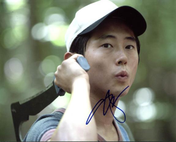 Steven Yeun The Walking Dead Signed 8X10 Photo PSA/DNA #W16699