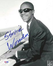 Stevie Wonder Autographed Signed 8x10 Photo PSA/DNA #Q90452