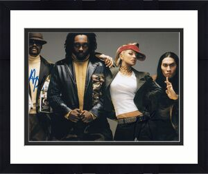 TABOO and APL DE AP signed (THE BLACK EYED PEAS) Music 8X10 photo W/COA #6