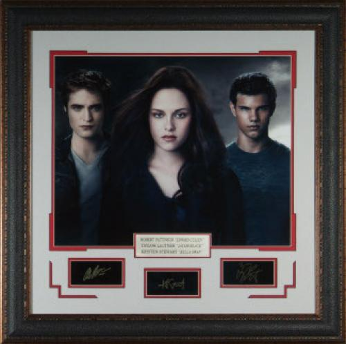 Taylor Lautner unsigned Cast Photo Twilight 31x32 Engraved Signature Series Leather Framed (entertainment photo)