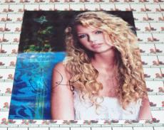 Taylor Swift Autographed 8x10 Photo