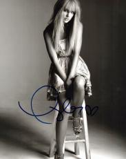 Taylor Swift Signed - Autographed Sexy Pop Singer Songwriter 8x10 Photo