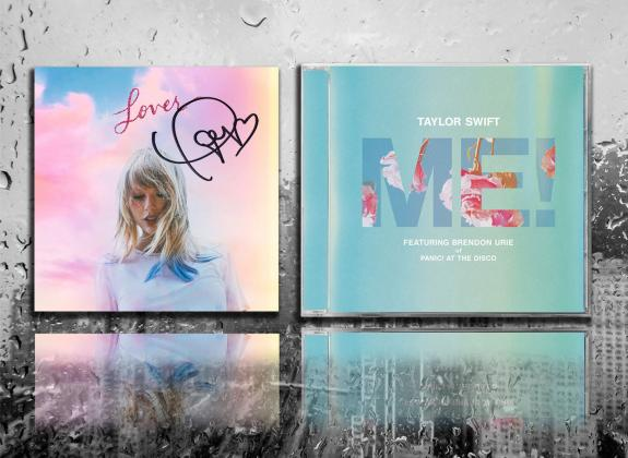 Taylor Swift Signed LOVE Collector's Edition ME Autographed CD Album