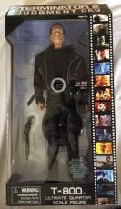 Terminator 2 T800 Ultimate Quarter Scale 18 Inch Figure Diamond Select 1/4