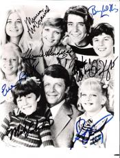 """THE BRADY BUNCH"""" Signed by HENDERSON, MCCORMICK, PLUMB, OLSEN, WILLIAMS, KNIGHT, LOOKINLAND 8x10 B/W Photo"""