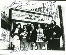 The Grateful Dead Signed Autographed 8x10 Photograph Jerry Garcia +5 Beckett BAS