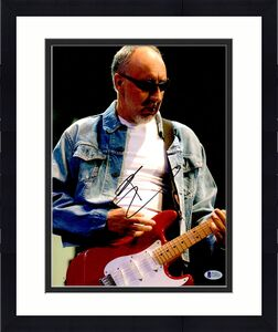 The Who Pete Townshend Autographed 11 x 14 Glasses Photo Beckett BAS COA