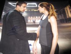THEO JAMES SIGNED AUTOGRAPH 8x10 DIVERGENT PROMO IN PERSON COA RARE IN PERSON F