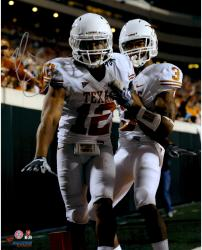 """Earl Thomas Texas Longhorns Autographed 16"""" x 20"""" Look At Cam Photograph"""