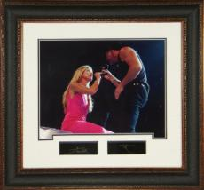 Tim McGraw unsigned 11x14 Photo Engraved Signature Series Leather Framed w/ Hill (movie/entertainment)