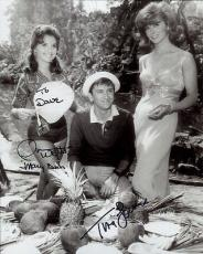 TINA LOUISE+DAWN WELLS HAND SIGNED 8x10 PHOTO+COA     GINGER+MARY ANN    TO DAVE