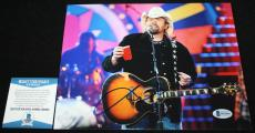Toby Keith signed 8 x 10, Country, Should've Been a Cowboy, Beckett BAS B92956