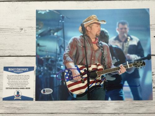Toby Keith Signed 8x10 Photo Beckett BAS COA Autographed a