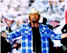 Toby Keith Signed - Autographed Concert 8x10 inch Photo - Country Music Singer - Guaranteed to pass PSA/DNA or JSA