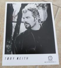 Toby Keith Vintage Full Name Signed Autographed 8x10 Photo Beckett Certified