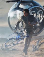 Tom Cruise Autographed OBLIVION 11x14 Photo