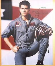 Tom Cruise-signed photo-29 abc