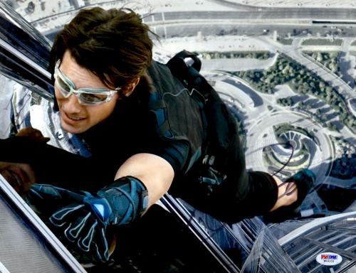 """Tom Cruise Autographed 11"""" x 14"""" Mission Impossible Hanging From Building Photograph - PSA/DNA COA"""