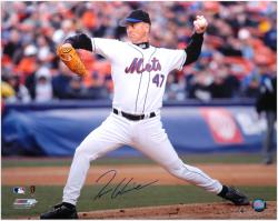 Tom Glavine New York Mets Autographed 16'' x 20'' Horizontal Pitching Photograph - Mounted Memories