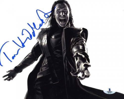 Tom Hiddleston 'Avengers' Autographed Signed 8x10 Photo Beckett BAS COA