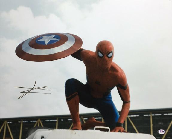 Tom Holland Signed 'Spider-Man' 16x20 Photo *Peter Parker PSA AH20725