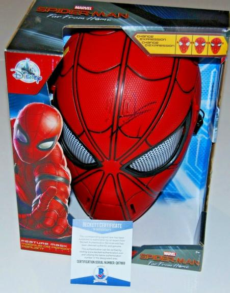 TOM HOLLAND signed (SPIDER-MAN) MARVEL AVENGERS FAR FROM HOME MASK BECKETT #3