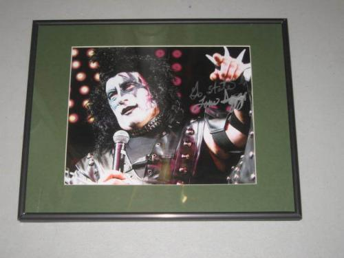Tom Izzo Signed Photograph - Basketball Coach Framed 8X10 KISS Midnight