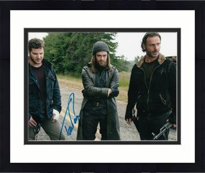 TOM PAYNE signed (THE WALKING DEAD) 8X10 photo *PAUL 'JESUS' ROVIA* W/COA #TP3