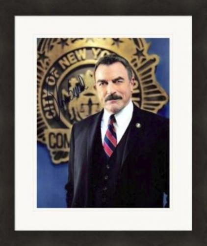 Tom Selleck autographed 8x10 photo (Blue Bloods New York Police Commissioner) #SC6 Matted & Framed